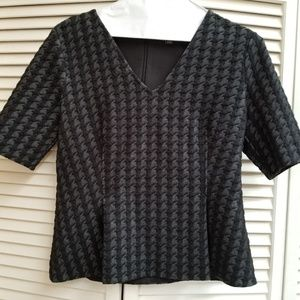 Ann Taylor knit houndstooth top - M